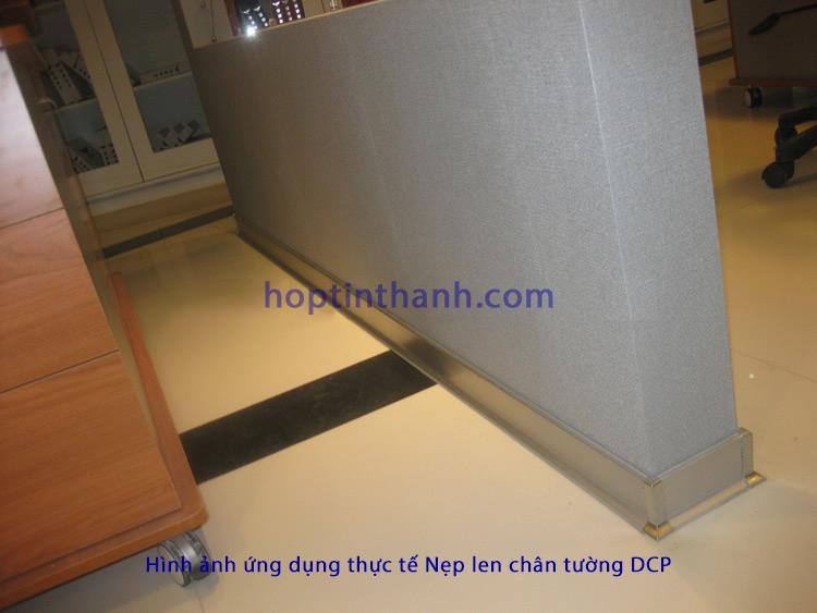 Bức tường sử dụng nẹp phào len chân tường DCP Hợp Tín Thành