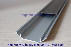 Mặt dưới nẹp luồn dây điện MKP10