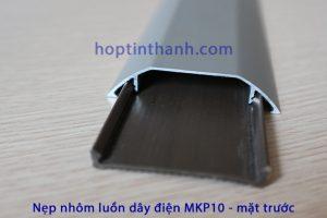 Mặt trước của nẹp luồn dây điện MKP10
