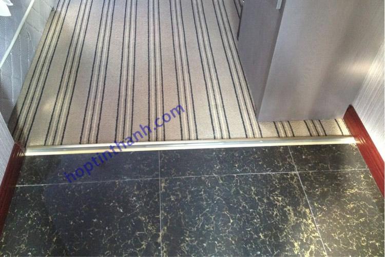 Công trình sàn-thảm cửa sử dụng nẹp chênh cốt hợp kim nhôm Hợp Tín Thành
